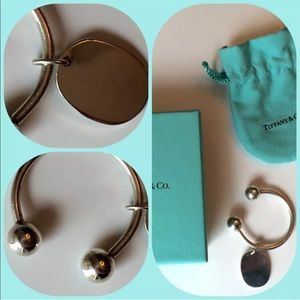 TIFFANY & Co KEYCHAIN w/engravable tag. Gift pack